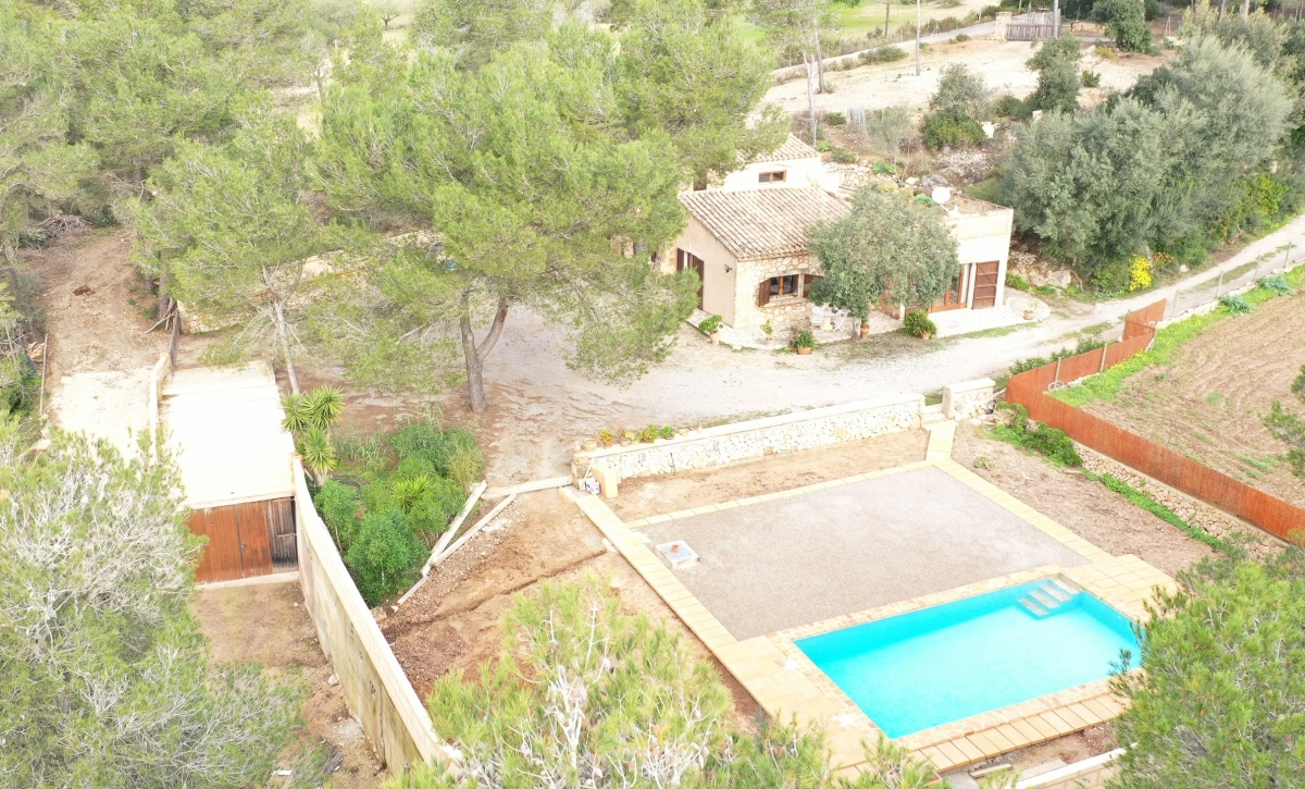 - Cozy finca with large garden and pool at Felanitx