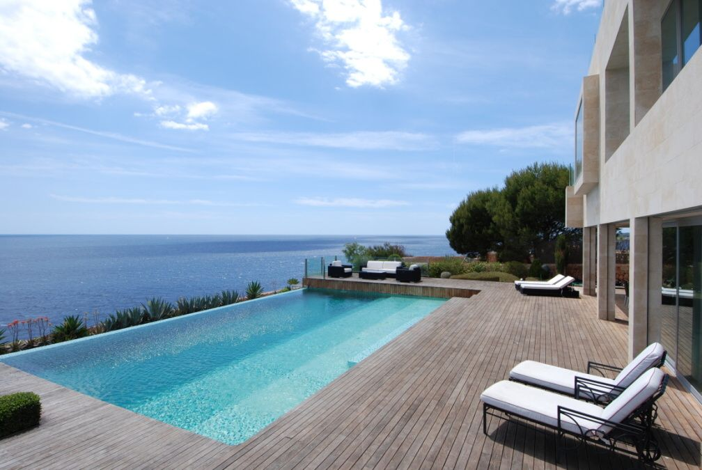 - Exclusive villa in Cala Pi by the sea with a fantastic view of the island of Cabrera