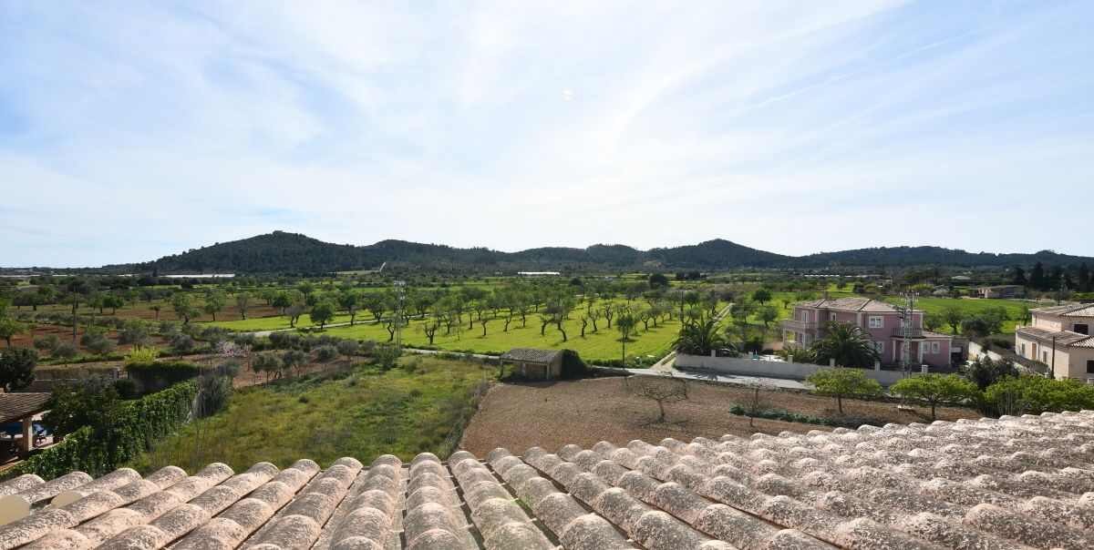 - Bright apartment with beautiful views in Porreres